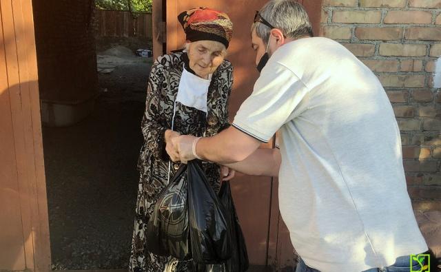 Доставка набора продуктов и гигиенических средств пожилым людям